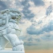 汉白玉雄狮