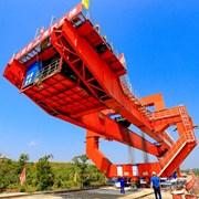 川南城际铁路泸州段首榀箱梁架设