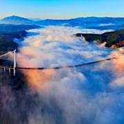 云南保山龙江特大桥晨雾全景