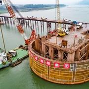 建设中的泸州长江六桥