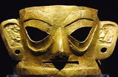 金沙,这个曾镌刻在五代后蜀时期墓碑上的美丽名字,早已成为成都这座城市的历史厚度中不可忽略的筹码,因为金沙遗址的发现,成都的建城史从距今2300年提前到距今3000年左右。