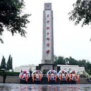 泸州纳溪:各界冒雨公祭