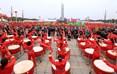 北川新县城羌族同胞在新生广场欢度羌历年