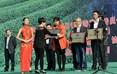 在开幕式现场,还分别对了荣获了各项荣誉的单位和个人进行了授牌仪式。