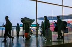 从2月4日至24日,泸州市投入客运车辆65077台,共运送旅客556.45万人次(不含出租车、公交车),未出现旅客滞留现象。