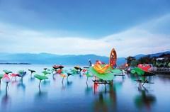 当春节与旅游相遇在一起,无数奇思妙想和惊喜欢乐层出不穷,近日四川省旅游局推出10条冬季特色跨区域新线路,各地也将陆续推出新春活动。