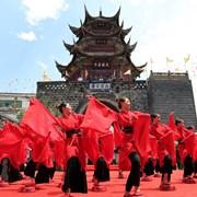 德昌县隆重举办2018端午药市民俗风情暨药膳美食节